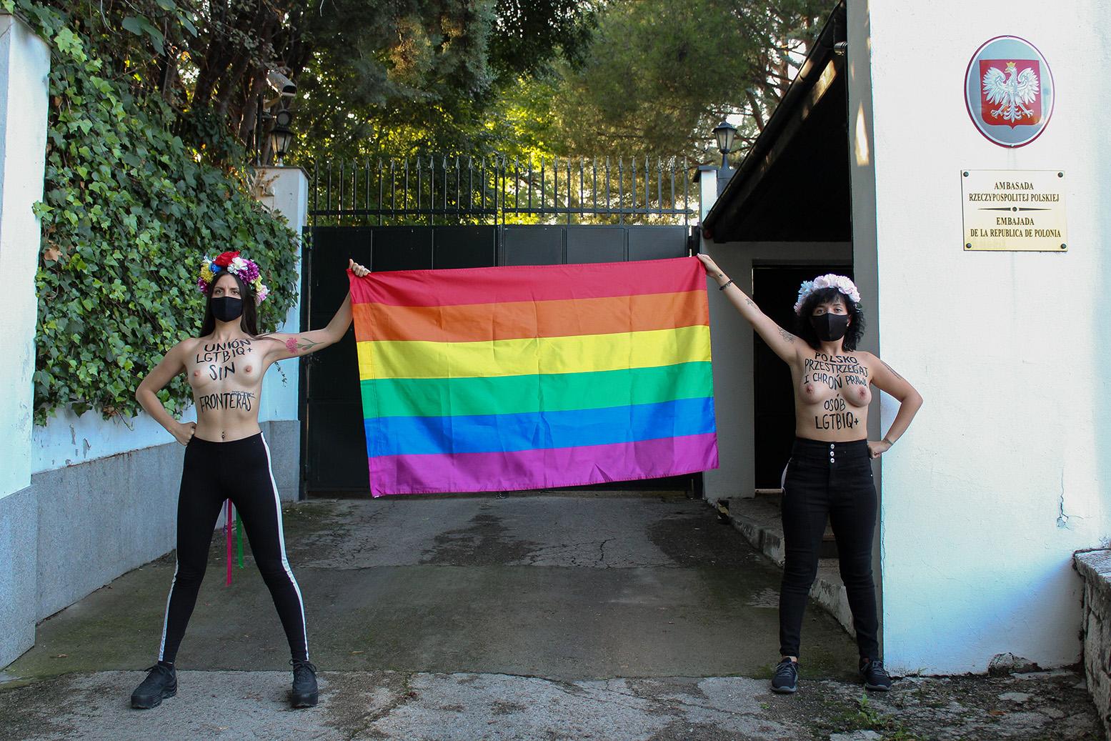 Solidaridad LGTBI sin fronteras. Polsko, przestrzegaj i chroń prawa osób LGTBIQ+.